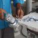 Cómo cortar baldosas de mármol con amoladora